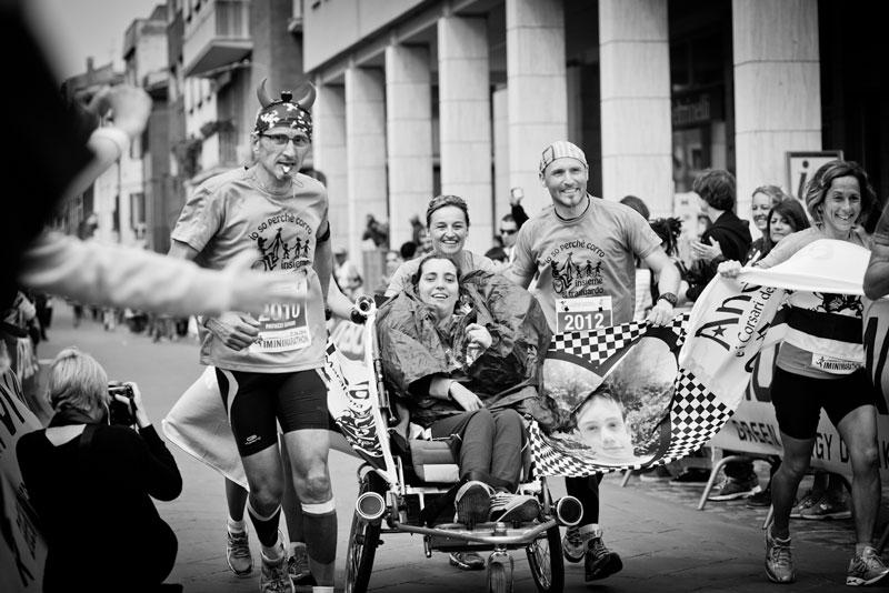 raduno-spingitori-di-carrozzelle-maratona-di-rimini1