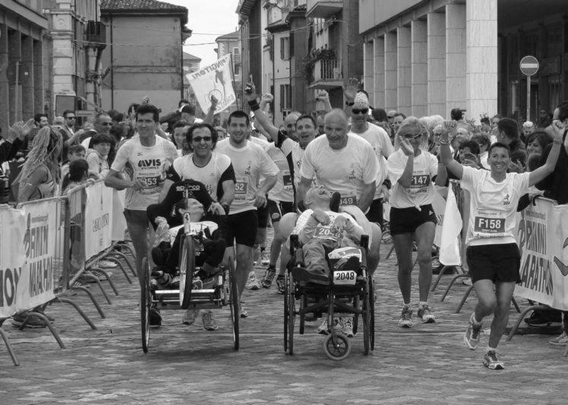 raduno-spingitori-di-carrozzelle-maratona-di-rimini4
